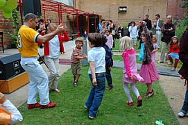 festa48.jpg: 400x266, 203k (October 12, 2009, at 05:14 PM)